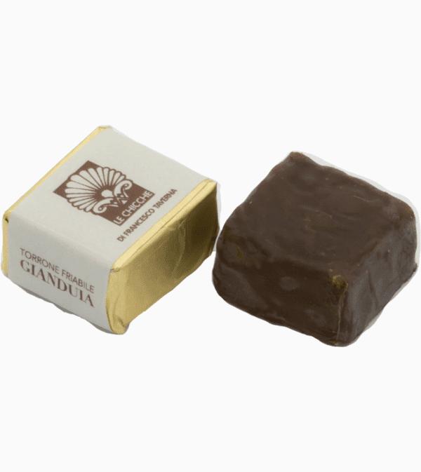 Cubetto di Torroncino Friabile alla gianduia ricoperto di cioccolato fondente